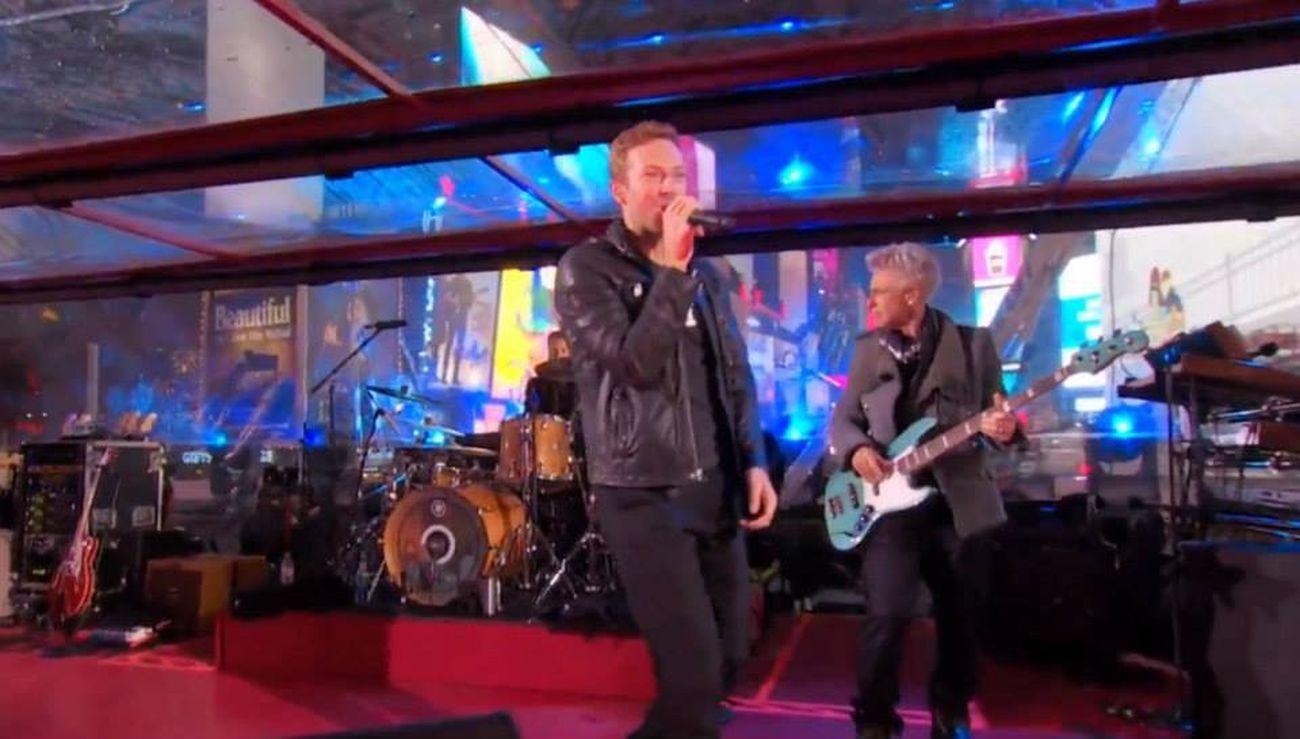 Che meraviglia si sa la data del tour degli U2 in Italia nel 2015 e cioè il 4/5 settembre Torino ritornano a suonare nei palazzetto U2 Forever by ange viva la Musica è il Rock Rock Rockband u2 U2