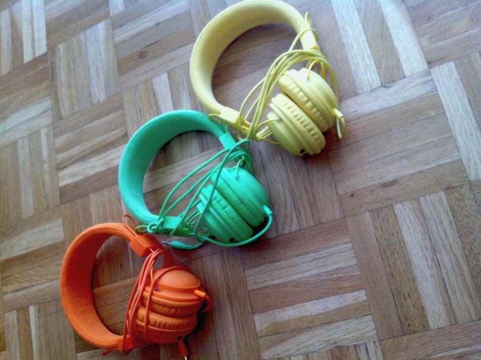 Ces casques sont les meilleurs. Pour 9€ y'a du bon son. 😍 Colletion 😚