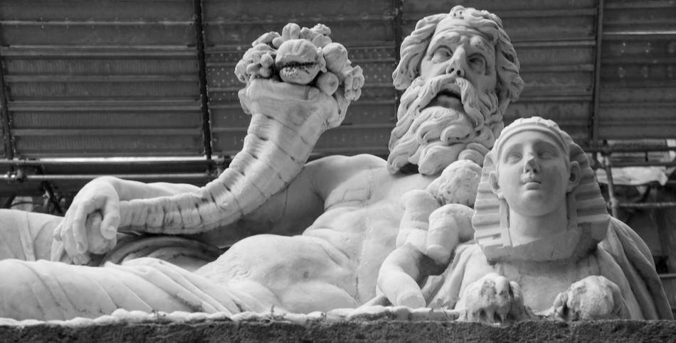 'O Cuorpo 'e Napule Black And White Day Marble Nilo No People River Gods Sculpture Statue