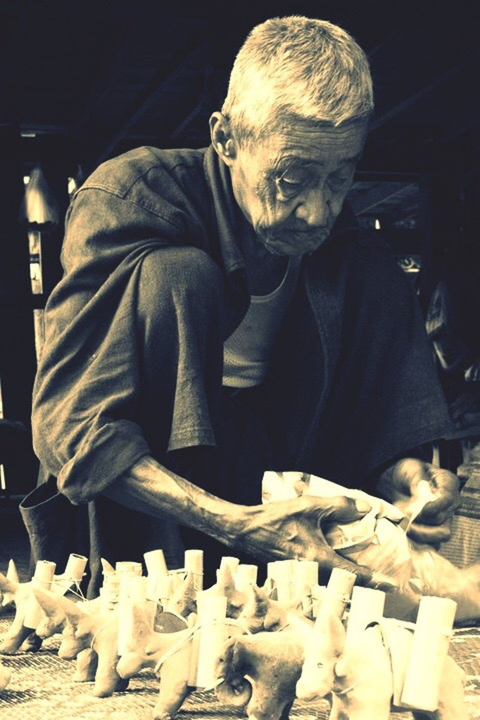 Old Man Man Elderly Senior Craft Handicraft Dolls Clay Work Artisan Local Artist Wisdom Toys Buffalo Rural Thailand Chiangmai Mae Jam Aging The Portraitist - 2016 EyeEm Awards Artist Portrait People Snap A Stranger
