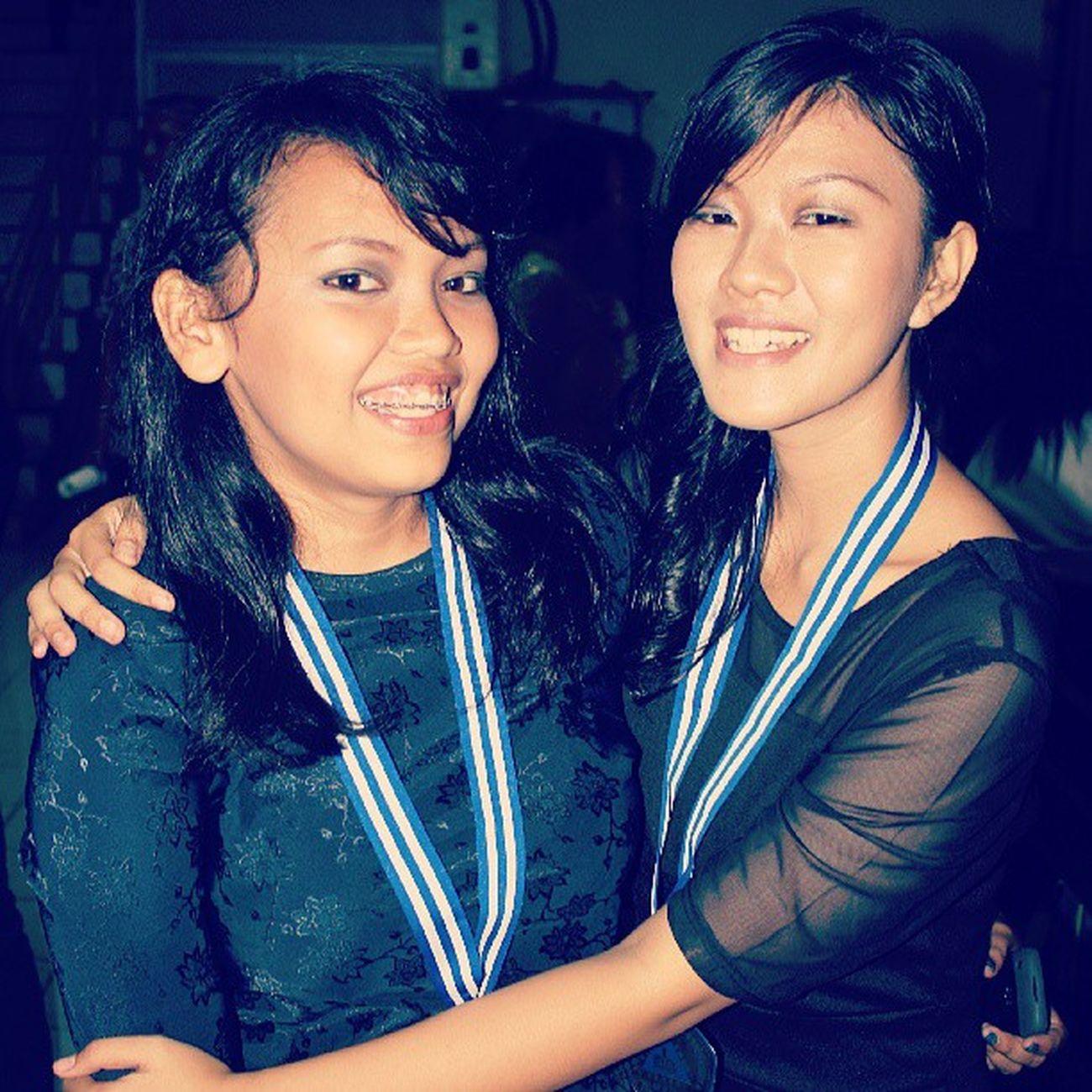 """Salah satu sahabat,penasehat,saudara seiman,teman seperjuangan yang sangat baik. Seneng bisa kenal dia @nobelsilalahi :"""") Graduation Bestfriend Social1 Yesterday girls"""