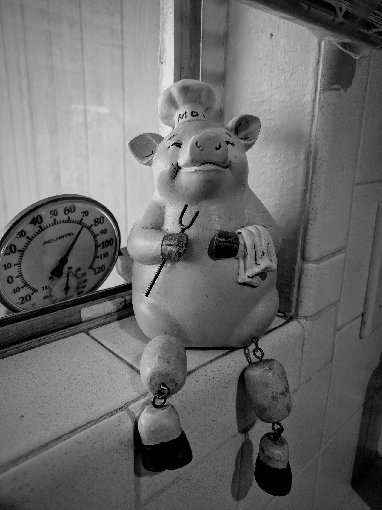 because i think this is too cute (bnw change up) Indoor Photography Little Piggy Mamas Kitchen Taking Photos Close-up EyeEm Bnw By The Window EyeEm Gallery Something Different Bnw Looking For Inspiration In The Kitchen Cute Change Up Kitchen Art Pig