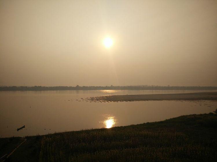 Sun Beauty In Nature Khongriverside Outdoors Morning Light Morning View Riverside Reflection Sunrise