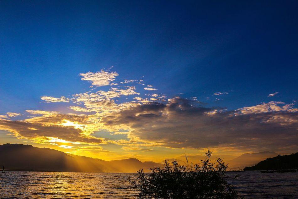 Sparkling sunset... Nature Lake Sunset Landscape Photography Wonderfulindonesia