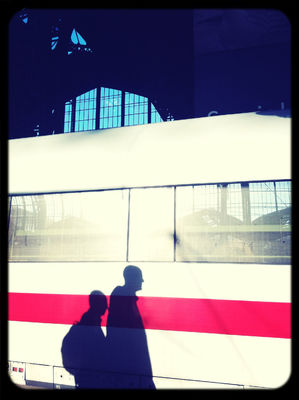 Hanging out at Hamburg Hauptbahnhof by Torsten