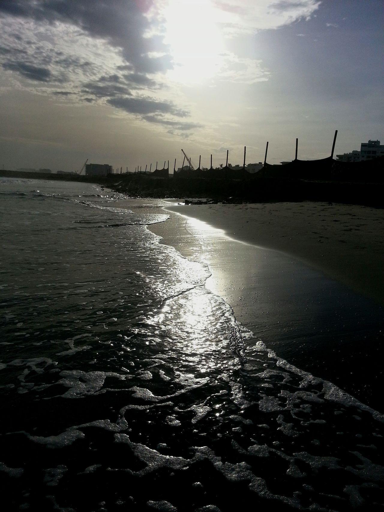 Amanece en Cartagena. Barrio Crespo Colombia ♥  Túnel En Construcción Life Is A Beach