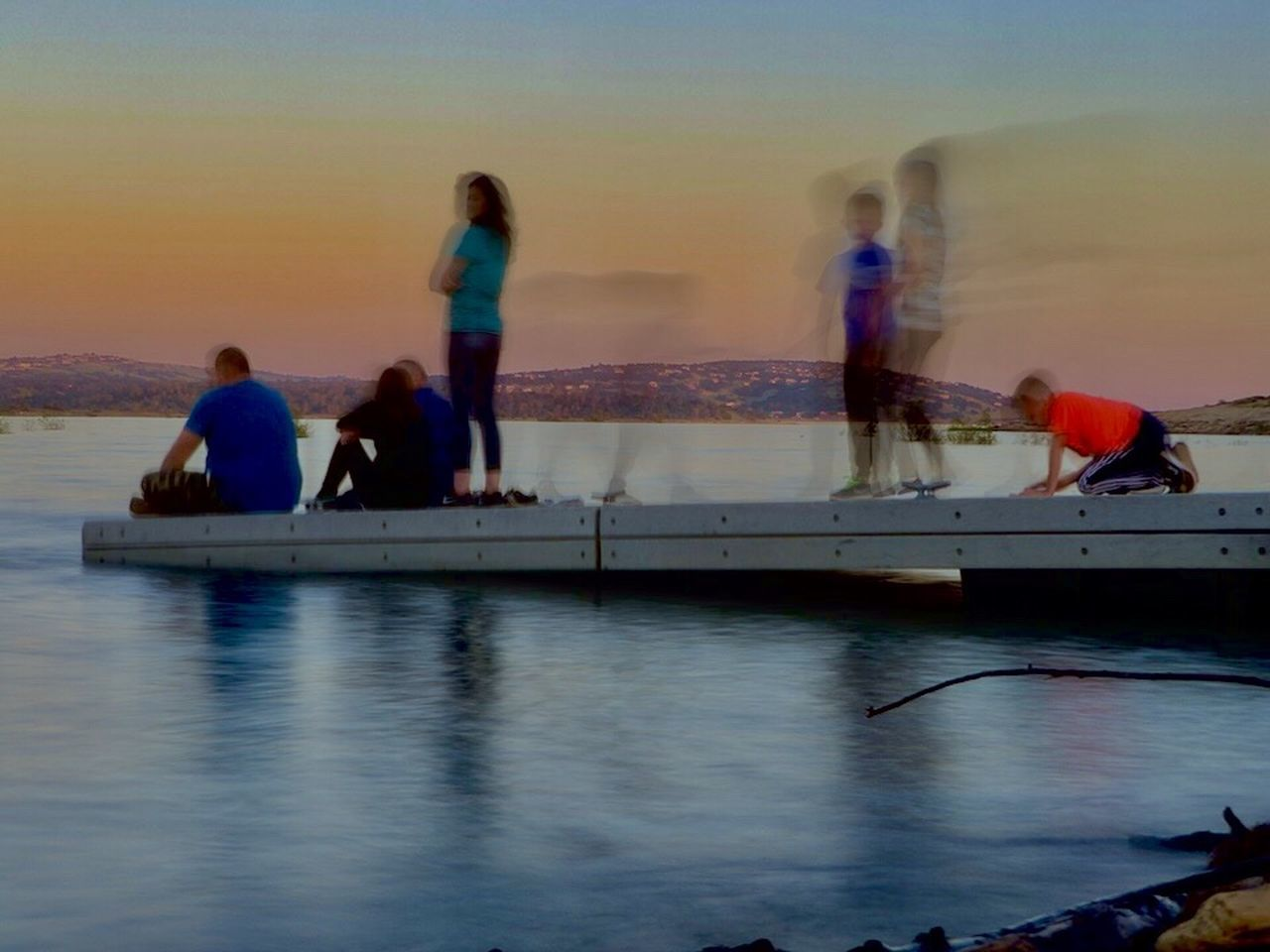 Break The Mold Docks Check This Out Art Is Everywhere EyeEm Best Shots IPhoneography EyeEm Gallery EyeEmBestPics Blurred Blurred Motion Beauty In Nature Lake Outdoors Nature Reflection Sunset Real People