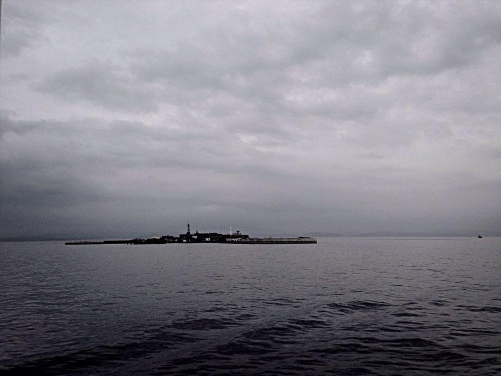 要塞 東京湾 Monochrome