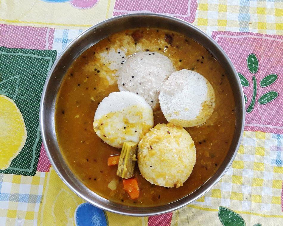 ShareTheMeal Ready-to-eat Indian Food! Idli With Sambhar And Chattni Yummy Breakfast Time!! Photo Of The Day