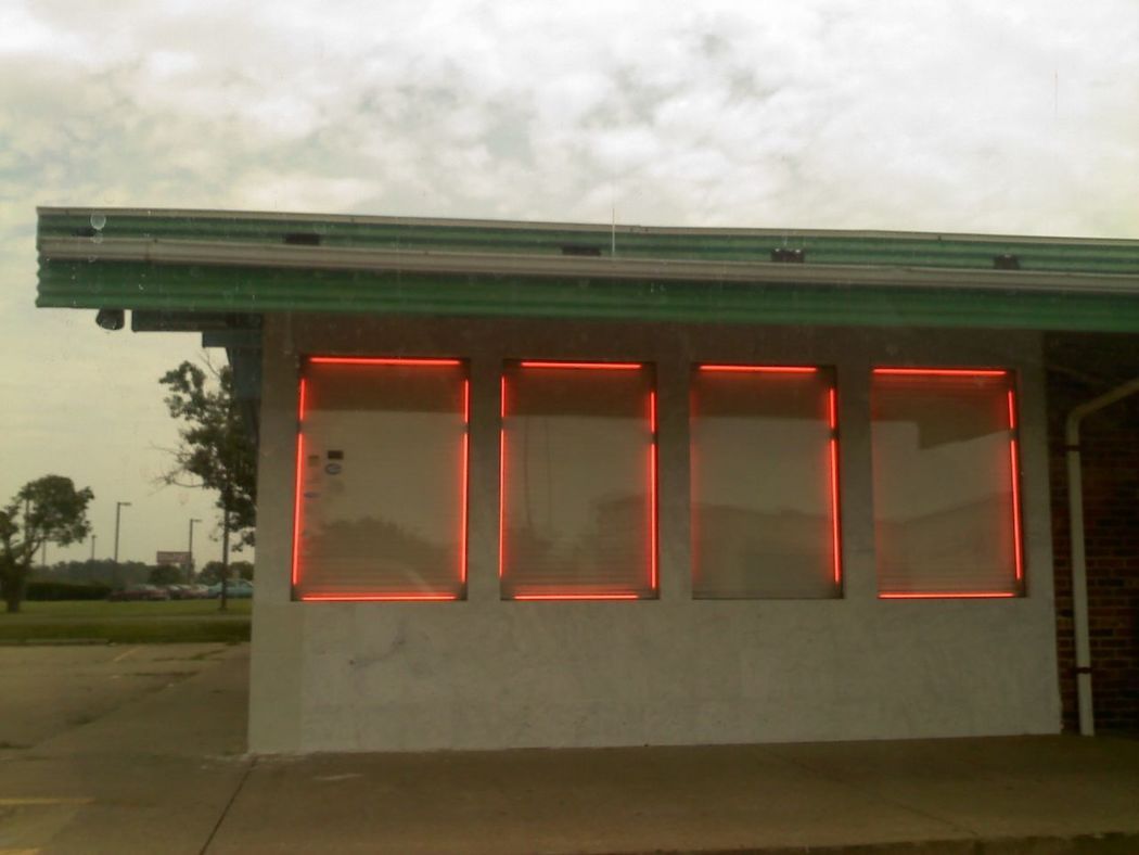 framing the windows of a steam-table 'buffet' #restaurant à la chinoise. Carbondale, Illinois. #neon