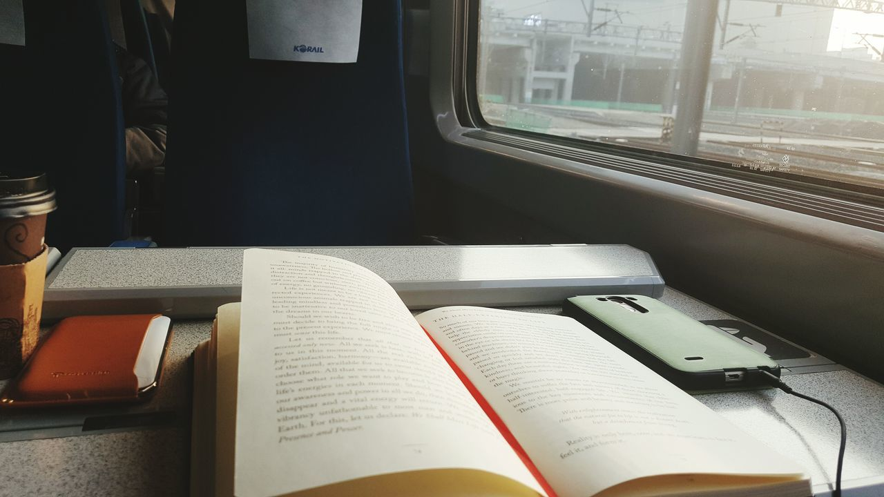 Train Ride Korea 한국 전철 커피 Reading & Relaxing Reading 도서 KTX Ktxkorea 창가 Motivation Manifesto Travel Indoors  indoors Day No People Close-up Mobile Conversations EyeEmNewHere