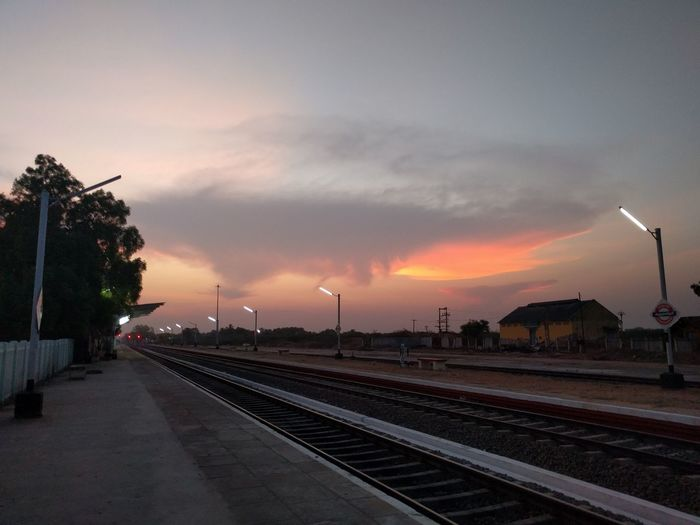 Sunset Tracks Railway Track Railwaystation Railway Tracks Railways Railway Station Platform Indian Railways Rajapalaiyam