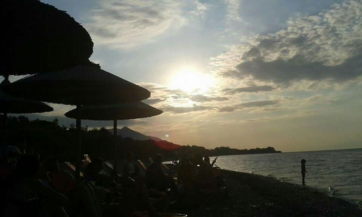 Sunset Sunsetphotography Sunsetcollection Sunset_madness Sunsetandsky Beach Beachphotography Summer Vibes Summer Greece
