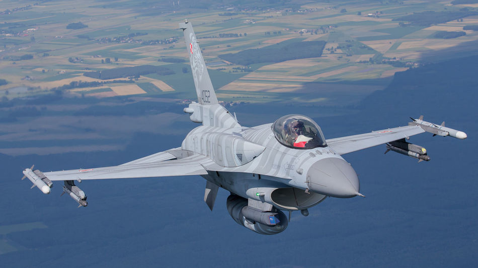 Beautiful stock photos of militär, aerial view, transportation, flying, above