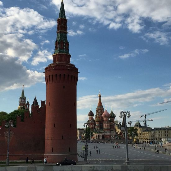 Architecture Building Exterior Cloud - Sky Day History Kremlin No People Outdoors Sky St Basil's Cathedral Travel Travel Destinations EyeEmNewHere EyeEmNewHere