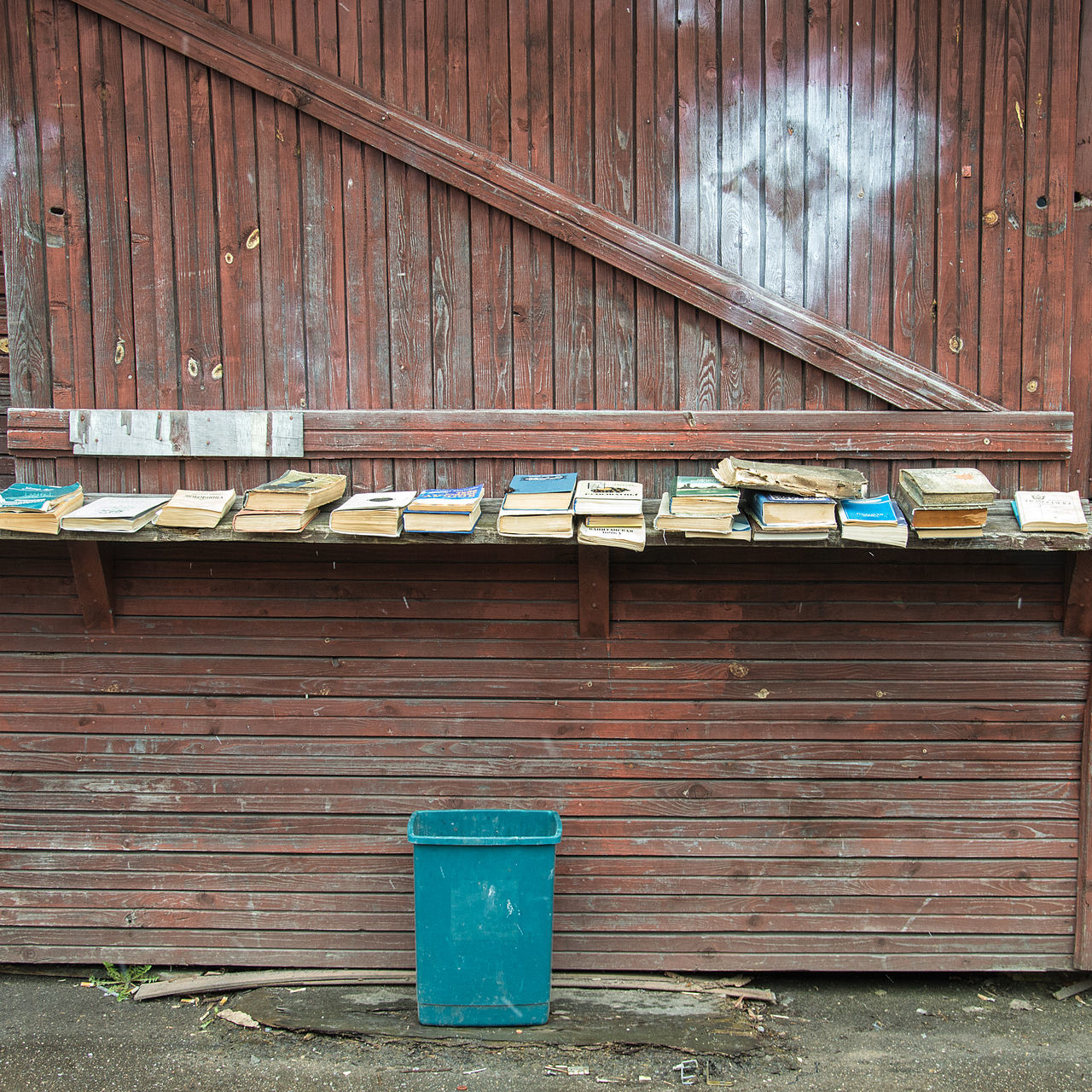 Architecture Books Bookshelf Building Exterior Built Structure Corrugated Iron Day Flea Market No People Outdoors Rustic Sale Shelf Vintage Wood - Material EyeEmNewHere Nikon Art Is Everywhere BYOPaper! The Street Photographer - 2017 EyeEm Awards