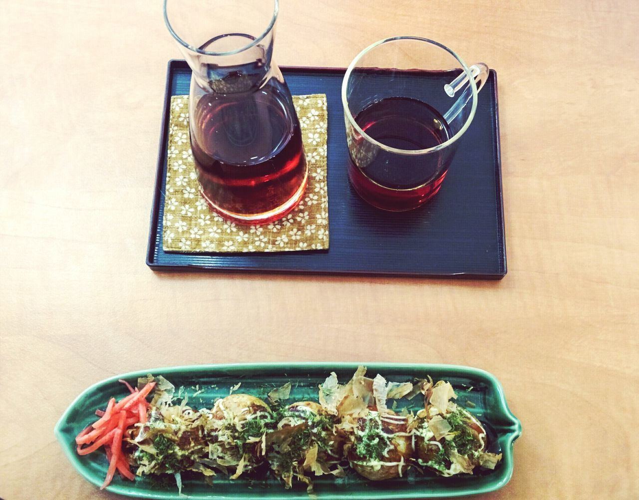 On A Plate Tea Time Oolong Tea Takoyaki Japanese Food Foodporn Foodphotography Asianfood Yummyinmytummy View Dish Of The Day The OO Mission