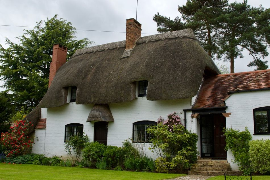 Cottage Architectural Feature Architecture Architecture Architecture_collection Building Exterior Built Structure Cottage Grass House Houses Nature Outdoors Stratford-upon-Avon Warwickshire