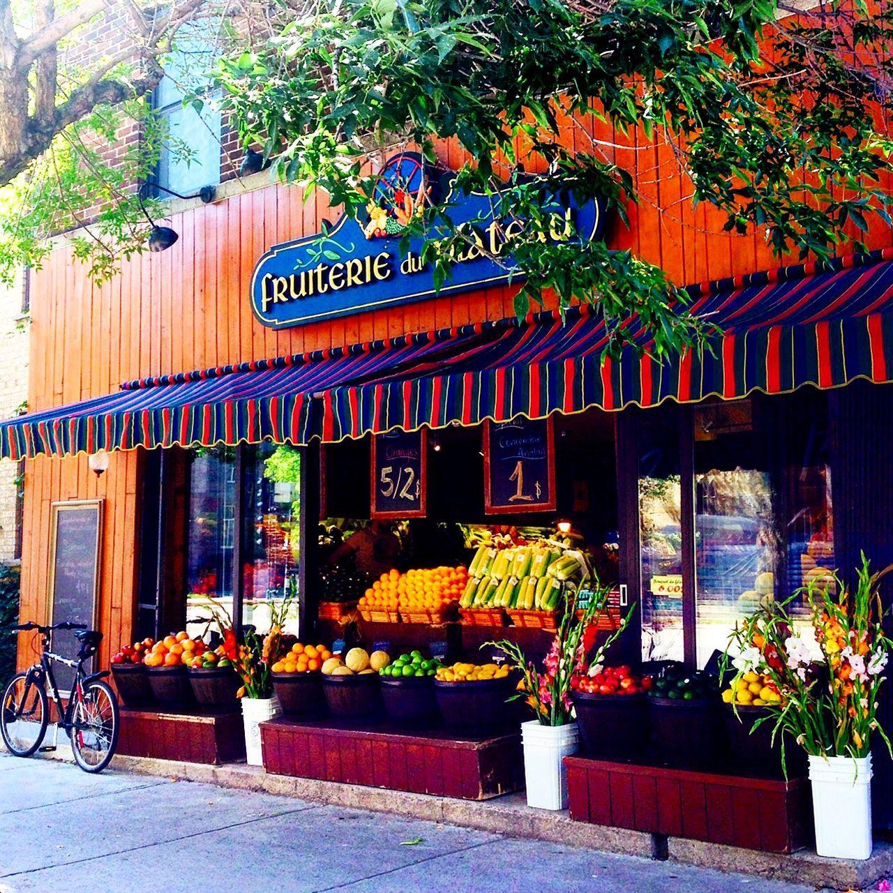 Montreal, Canada Fruterie Fruit Shop Beautiful Summer Sunny August Montréal
