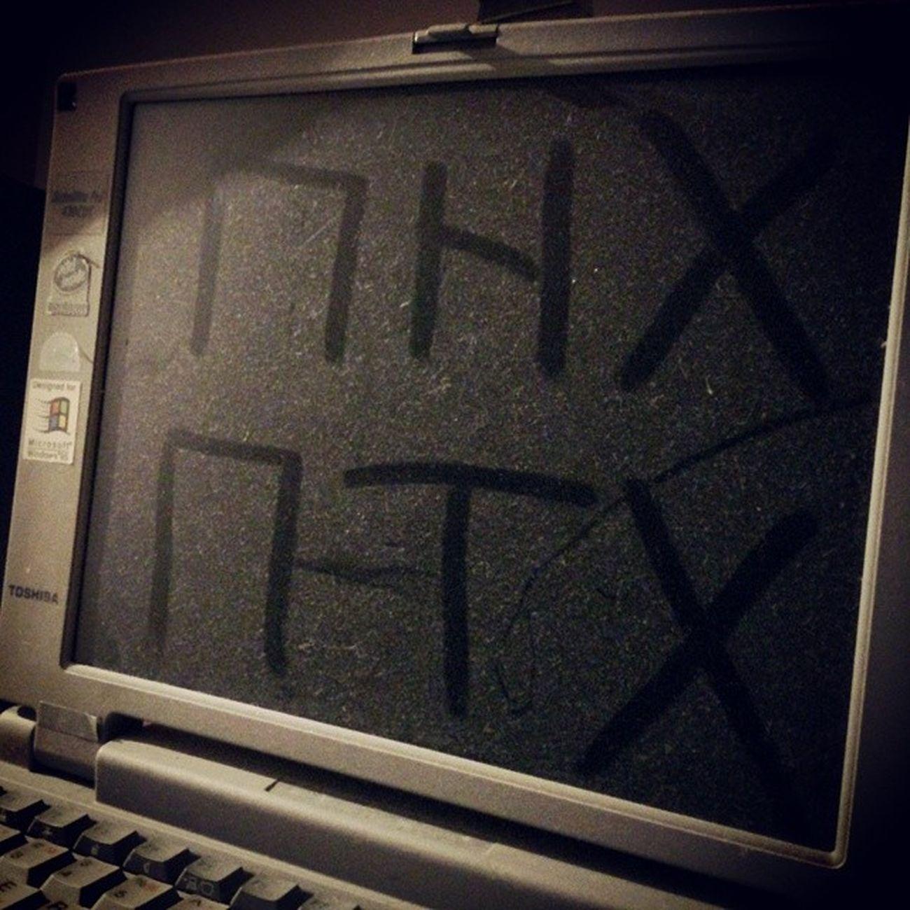 Аналоговое послание цифровому будущему. ноутбук прикол пнх Notebook fun toshiba old_computer