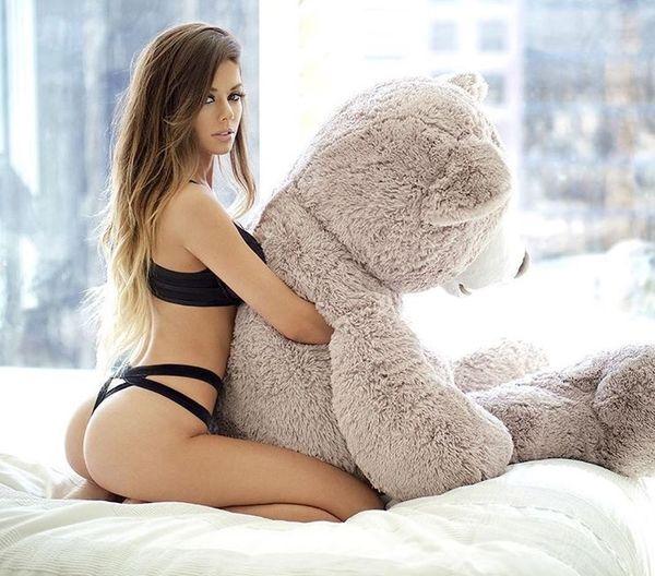 Girls and teddy bears