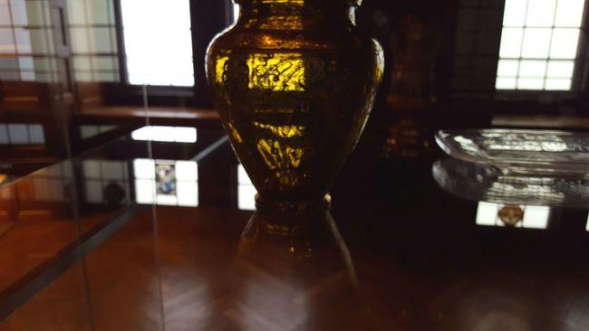 Gold Vase Vintage Colors Shades Of Gold Reflection
