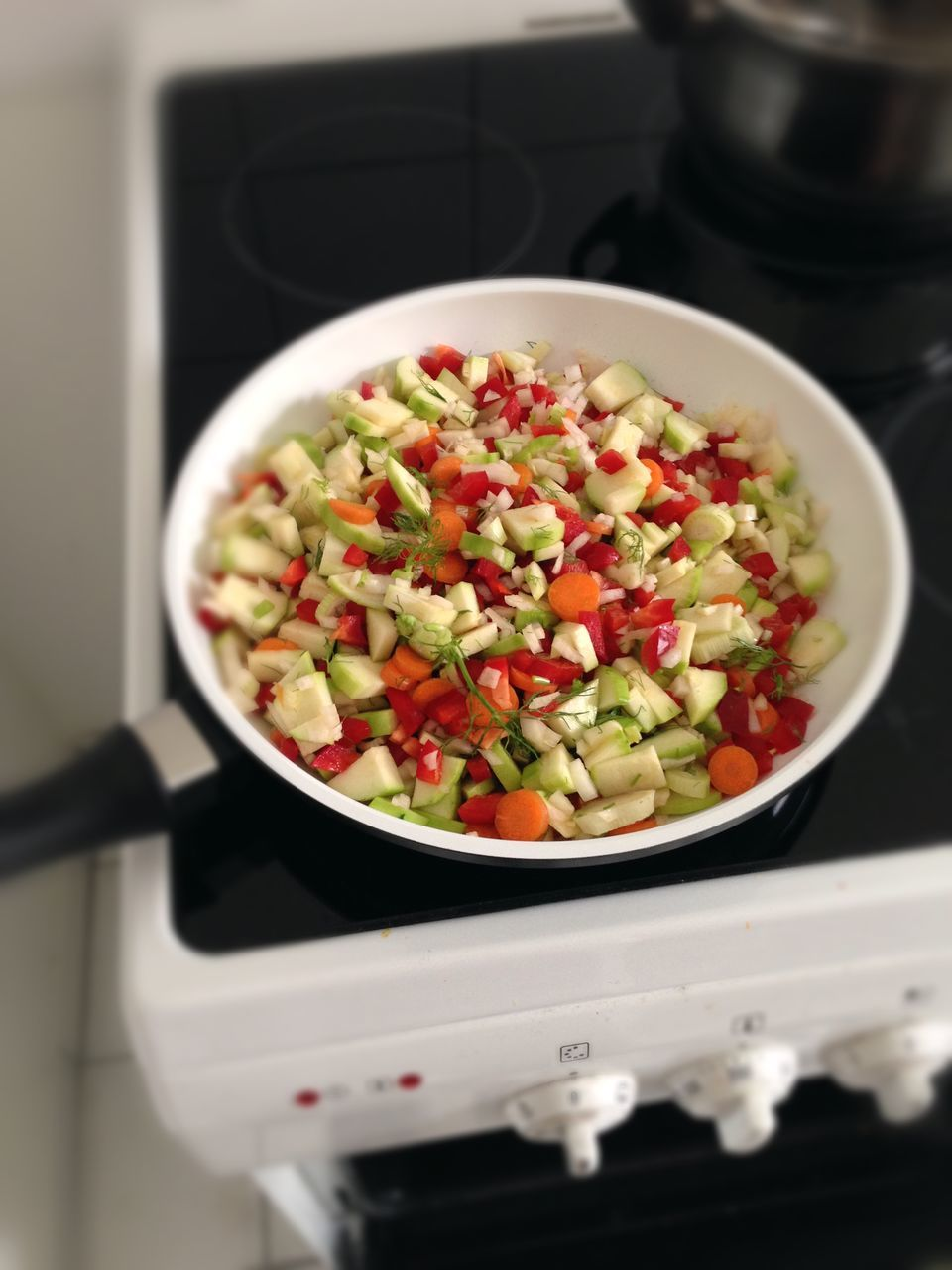 food and drink, salad, vegetable, healthy eating, bowl, food, freshness, indoors, preparation, no people, close-up, home interior, chopped, salad bowl, ready-to-eat, day