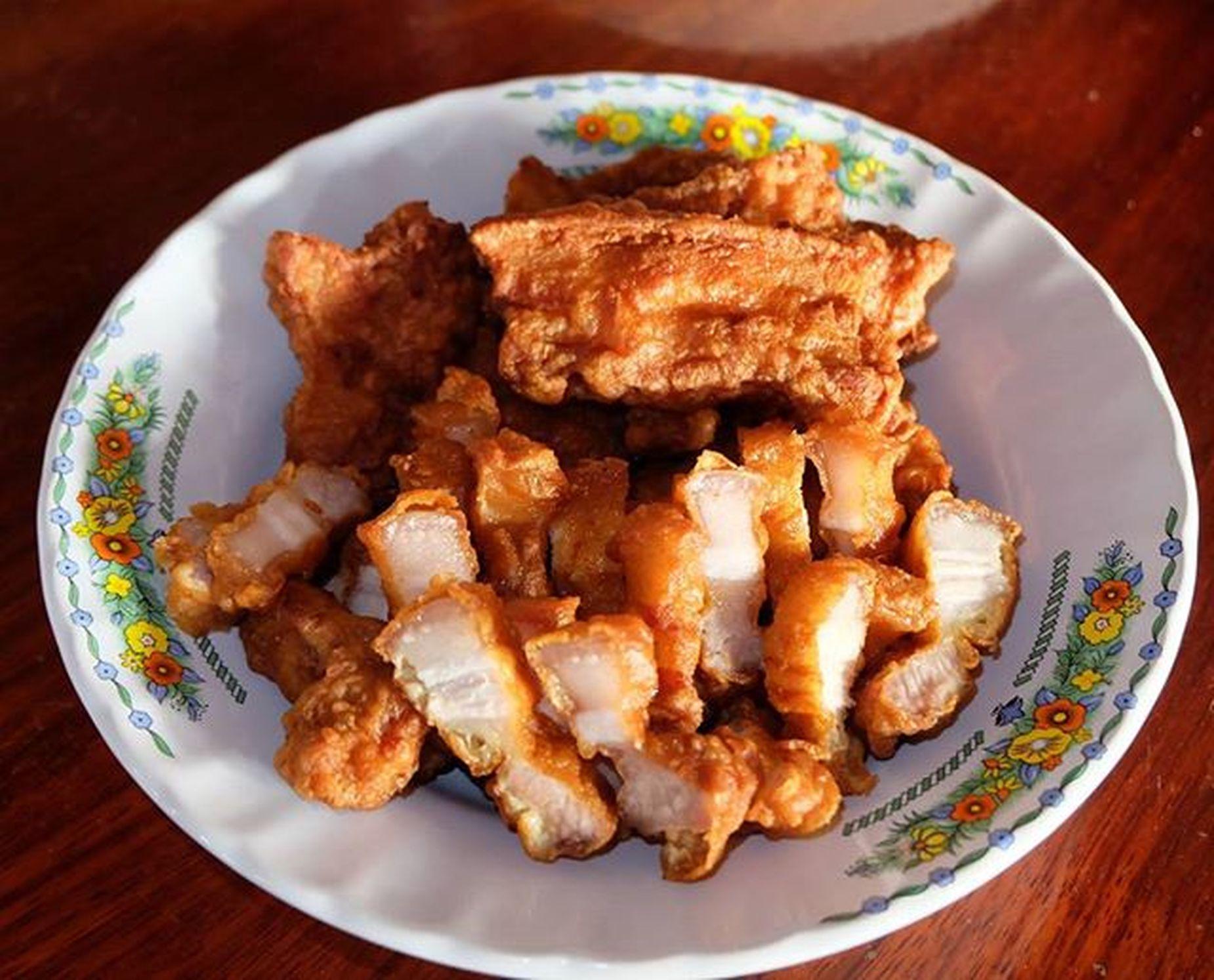 อาหารเย็นหมูสามชั้นทอดน้ำปลา ครัวคุณเฟร็ก เมนูที่2 Fujixseriesthailand