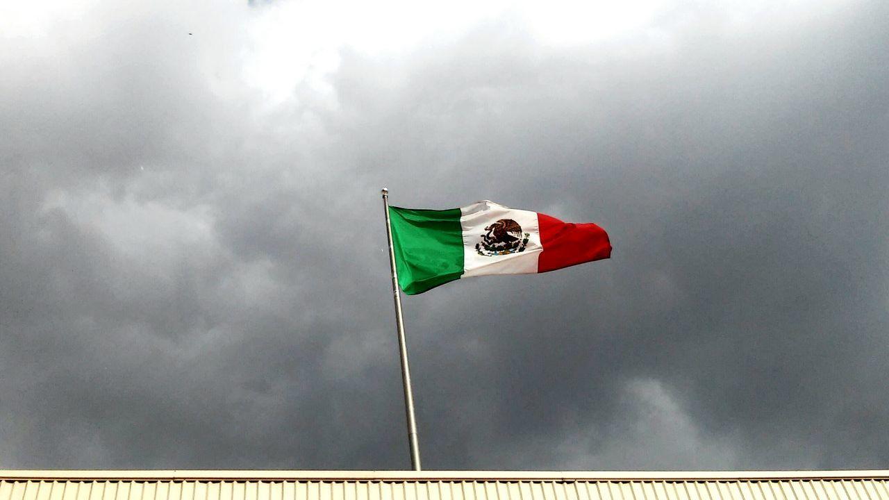 Beautiful stock photos of mexican flag, Cloud - Sky, Durango, Flag, Green Color
