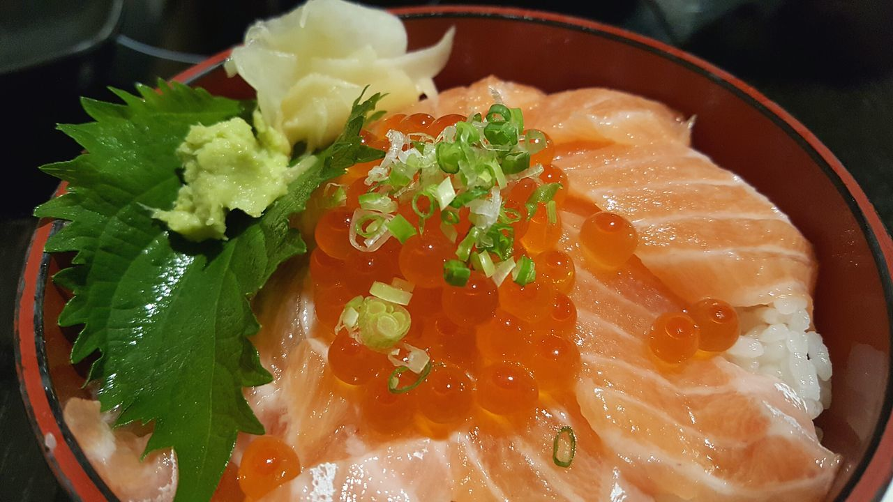 Food Close-up Food And Drink Freshness Healthy Eating Ready-to-eat Plate Serving Size Sushi Time Sushilover Sushi Restaurant Sushi Bar Sushi Lover Salmon Don Salmonsushi Salmon Sushi Donburi Food Photography Foodphotography Foods Foodpics Salmon Donburi Sushitime SushiBar Sushi