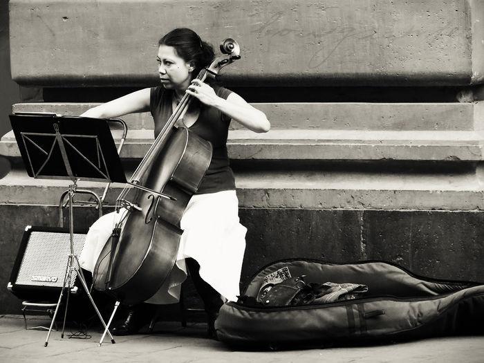 Art Artist Belleza Borgiante Cello Mexico Mexico City Mujer Music Musica Musician Street Street Photography Streetart Streetphotography Woman