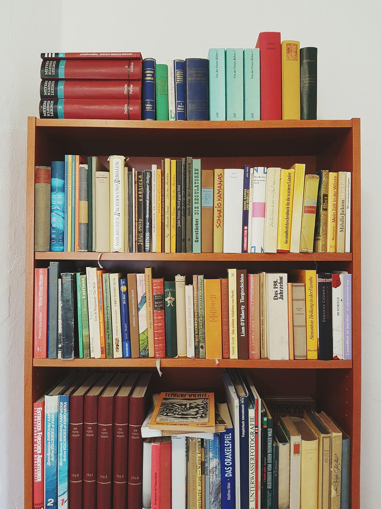 Booksbooksbooks TheWeekOnEyeEM Instagood BooksLove Books To Read Bookstagram Books Ordnung Muss Sein Ordnung Regal & Righteous. Correct Neat Photooftheday