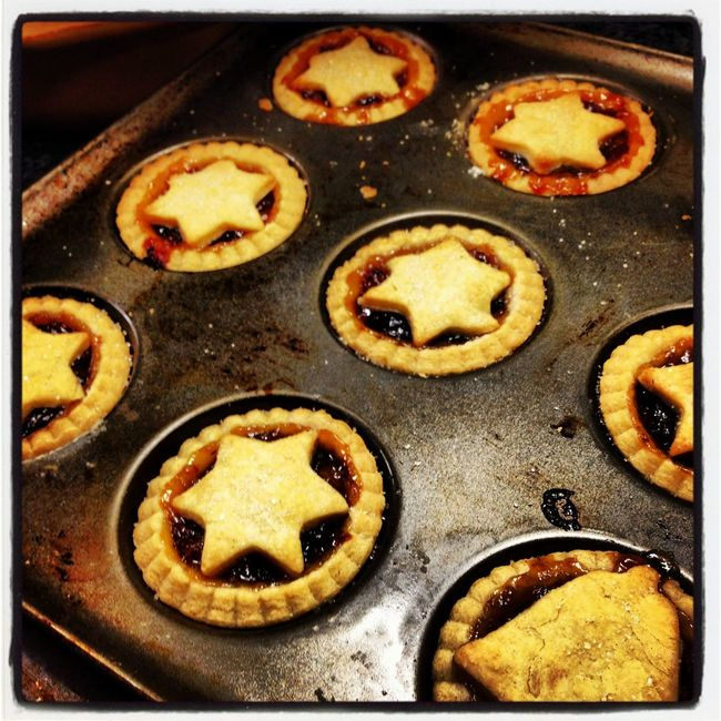 Freshly baked mince pies topped with stars Baked Christmas Food Close-up Decoration Detail Elevated View Food Freshly Baked Full Frame Homecooked Homemade Indulgence Mince Pies No People Pastry Ready-to-eat Stars Still Life Temptation