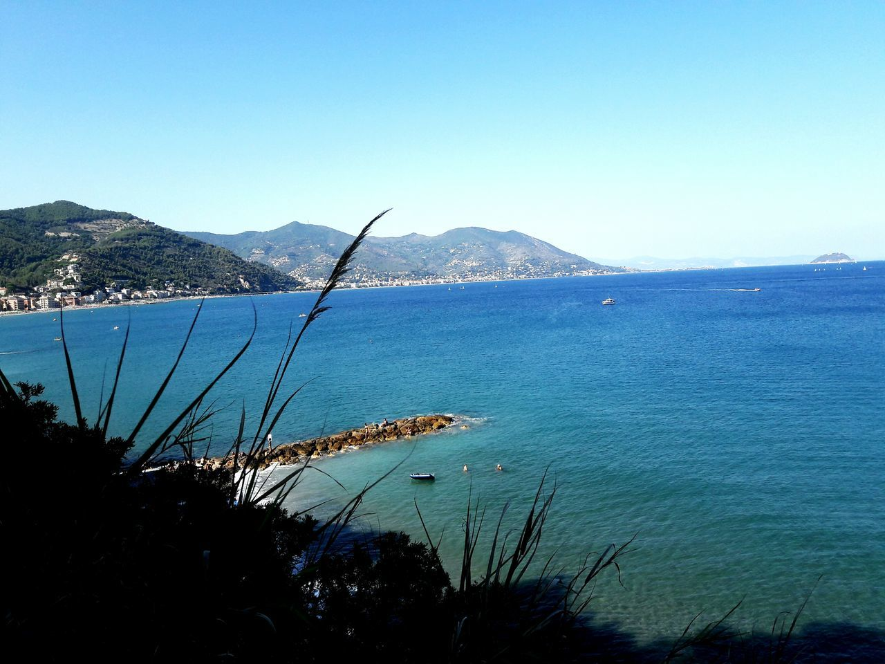 Laigueglia (IT)🏝🌊🔥 Myphoto Sea Blue Travel Sky Nature Beach Fantastic Italy Holidays Fantastic View Liguria,Italy Green Sky Landscape Summertime Summer2016 Memories World Amazing View Beautiful Photo EyeEm Best Shots Flying High