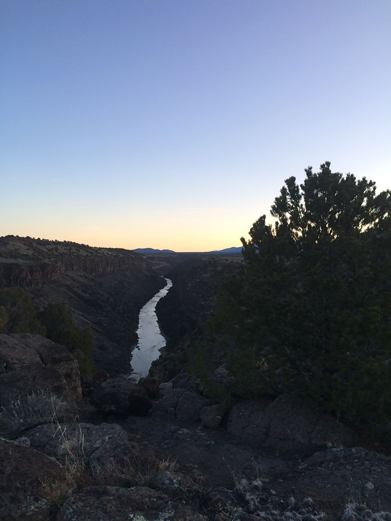 Morning Morning Camping gorge rio grande Río Grande river New Mexico
