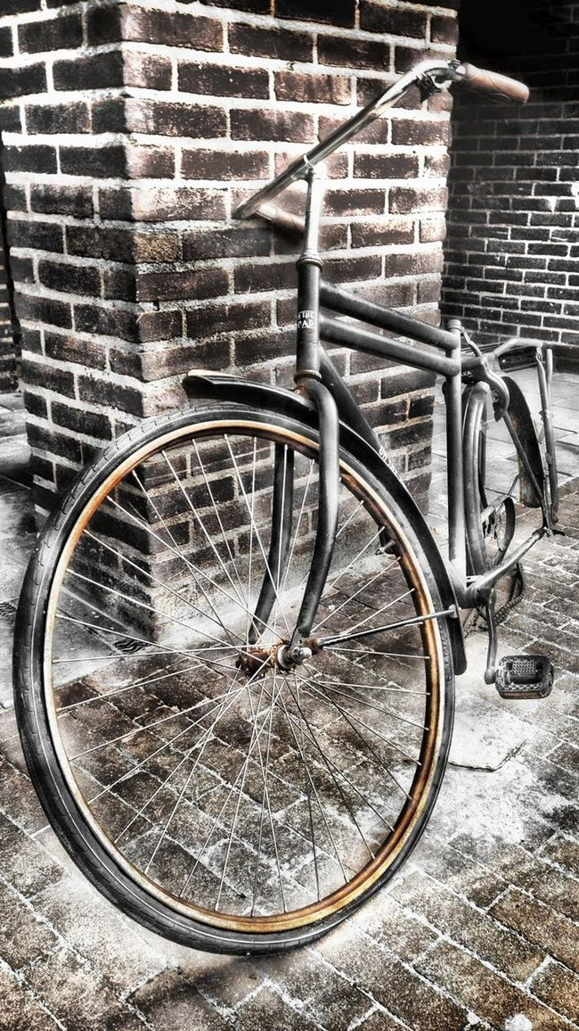 """Nº5. Could be a really good bike... With no rust and another wheel!! """"bike Weak"""" Shootermag Cities_collection EyeEm Best Edits"""
