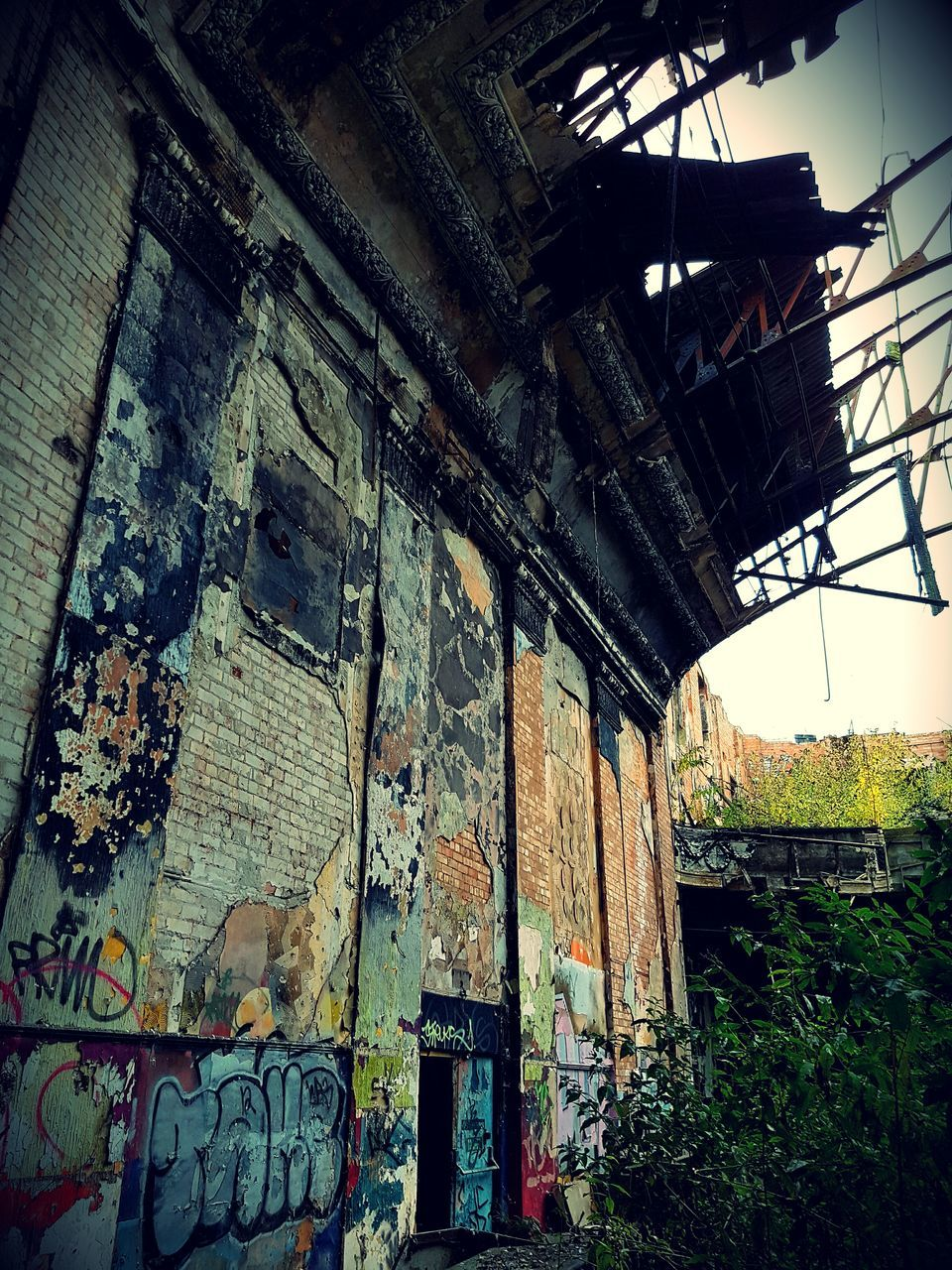 abandoned, architecture, built structure, weathered, no people, damaged, run-down, day, bad condition, indoors, building exterior