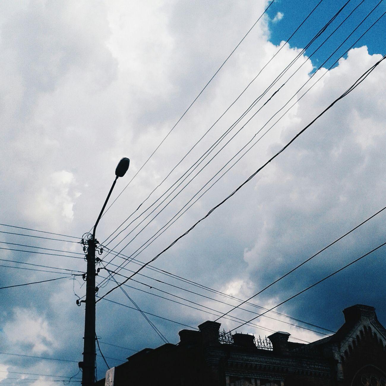 небо тучи небо⛅️ провода фонарь ♡ дужегарно