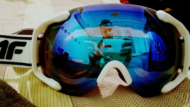 FhooyDefiniszynPikczers, LGg3photography, creative mirror/fisheye effect in my snowboard googles :D
