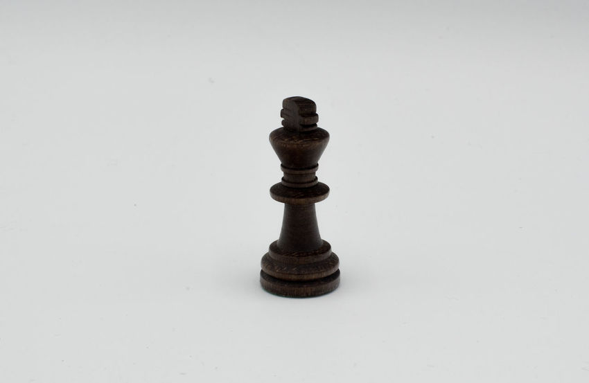Challenge Chess Chess Board Chess Piece Close-up Copy Space Day Indoors  Intelligence King - Chess Piece Knight - Chess Piece Leisure Games No People Pawn - Chess Piece Queen - Chess Piece Strategy Studio Shot White Background