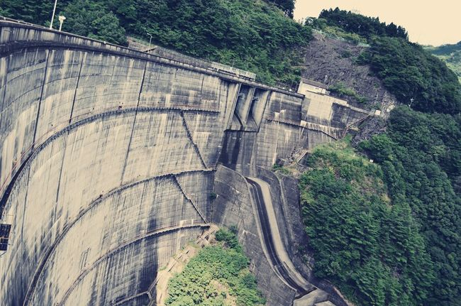 なぜか好き ダム 萌え 無機質 巨大建造物