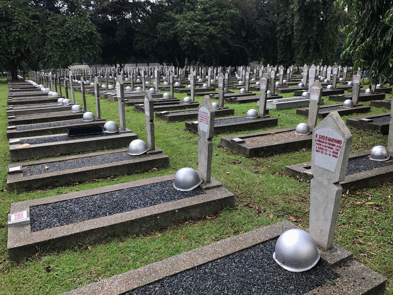 Memorial War Memorial Graveyard Outdoors No People Tree Day Indonesia_photography Indonesian Hero Cemeteries Kalibata Buried