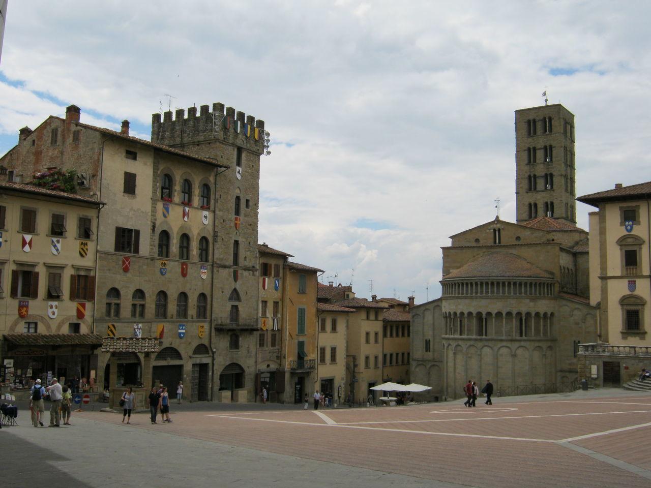 Arezzo, giugno 2011 Architecture Arezzo Building Exterior Built Structure City Cloud - Sky Day Outdoors Sky Travel Destinations
