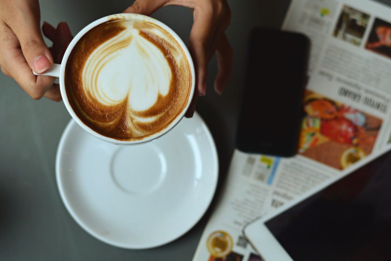 Coffee - Drink Coffee Cup Drink Food And Drink Refreshment Cappuccino Frothy Drink Table One Person Indoors  Holding Real People Cup Froth Art Freshness Close-up Beverage Latte Human Hand Froth