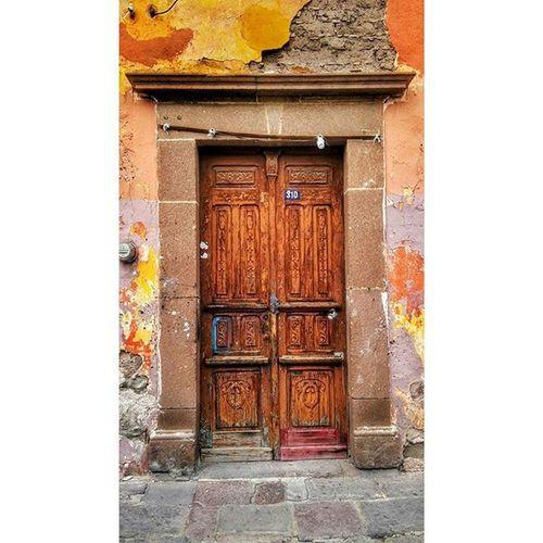 ¿quién es? Puertasmex Puertas_mex Mextagramers Mexicofoto Mexicoalternativo Mexico_photos Mexico_photolovers Beginnersmx Photosinos_mx Galeria_slp Mexico_maravilloso Mexicodesconocido Ingeniummex