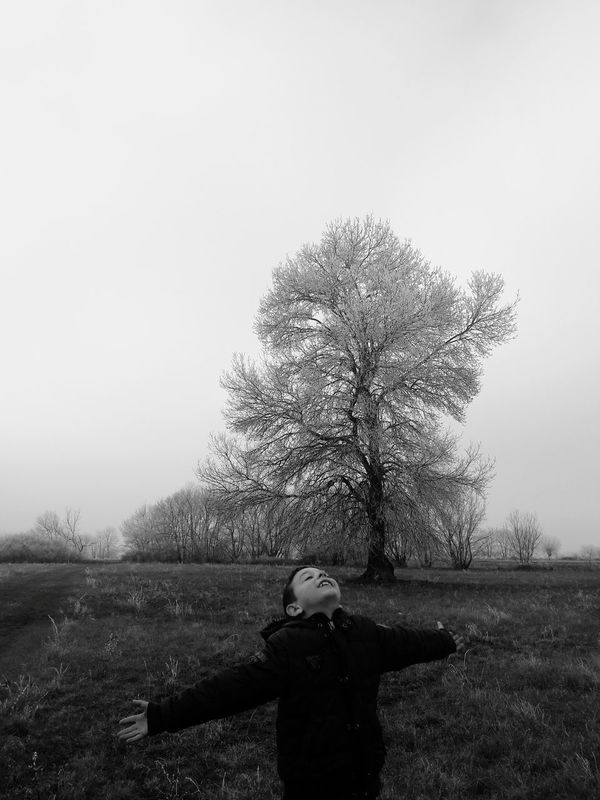 One Person One Man Only Only Men Adults Only Nature Tree Grass Tranquility Outdoors Growth People Day Adult Men Scenics Agriculture Sky Warm Clothing Beauty In Nature VSCO Vscokosova Grass Beauty In Nature Winter WinterSeason The Portraitist - 2017 EyeEm Awards