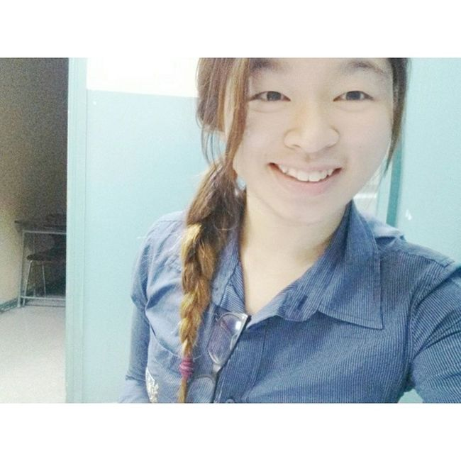 Mmm work is one thing,....... But first, let me take a selfie. X) Learningshappydays Preuni Igsyd IGDaily selca happygirl94