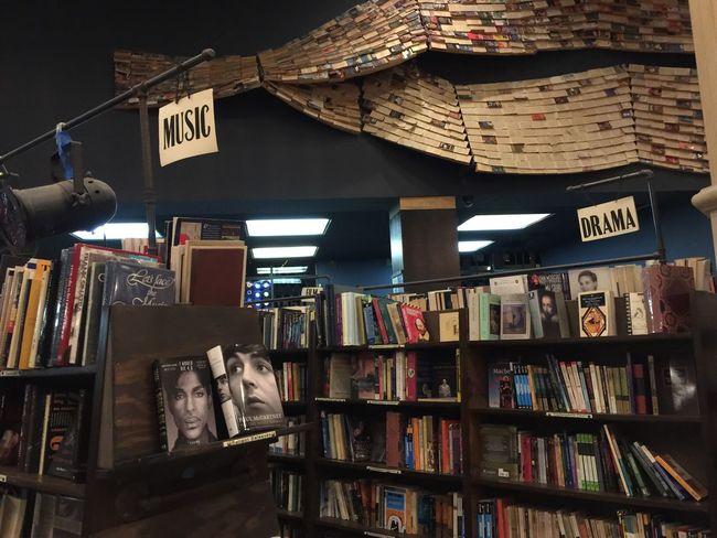 Books ♥ Los Angeles, California Downtown Walking