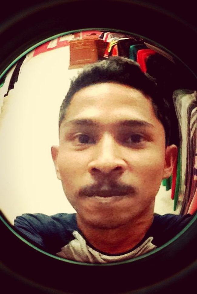 feel's borred.. Selfie Borred Peoplecomeandgo At My Store
