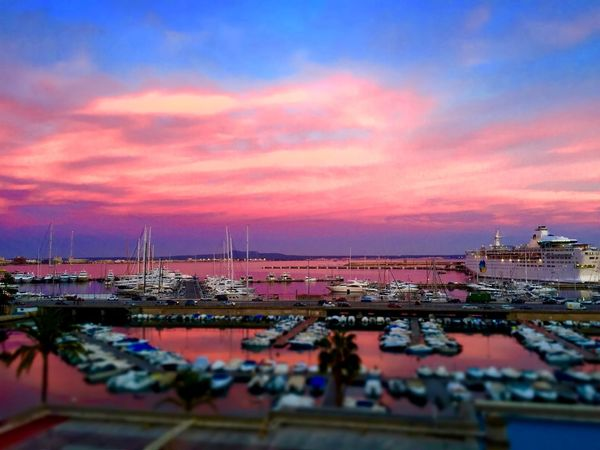 sundowner port palma can barbara harbour luxus yacht http://blog.portalmallorca.de